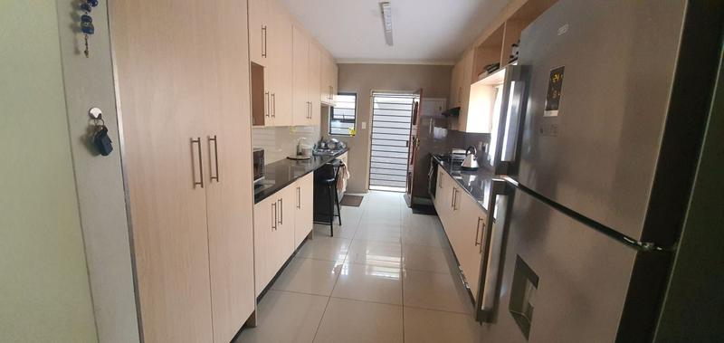 Apartment / Flat For Sale in Lenasia Ext 13, Johannesburg